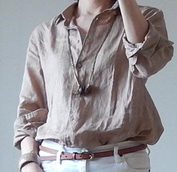 ユニクロのリネンシャツ