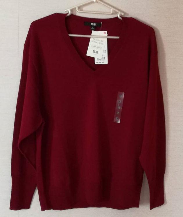 ユニクロのメリノウールVネックセーター